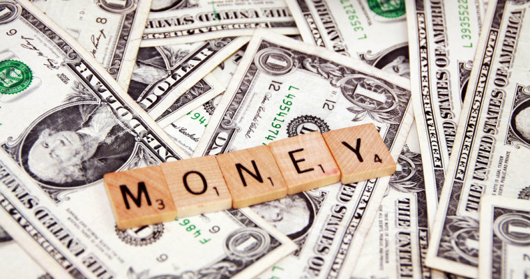 5 Essential Money Tips for the Struggling College Student